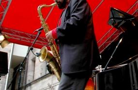 Fotostudio Focus Peoplefotografie Saxophonspieler
