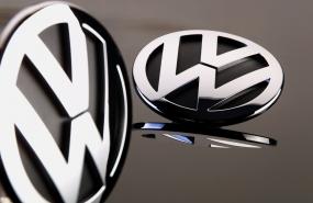 Fotostudio Focus Sachaufnahmen VW-Zeichen